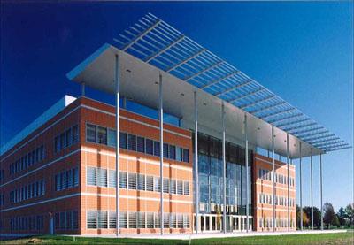 Фото. Здание научного Центра растениеводства Дональда Дэнфорта