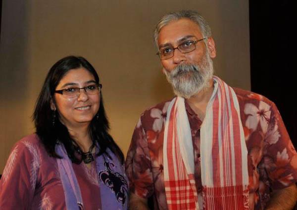 Фото. Режиссеры Нандан Саксена и Кавита Баль
