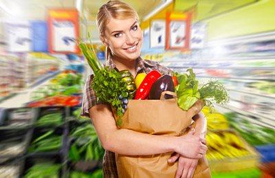 Фото. Женщина с продуктами
