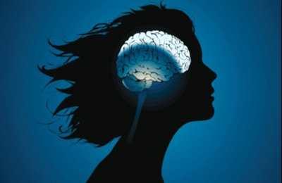 Фото. Болезнь мозга у женщин