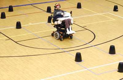 езда на инвалидном кресле
