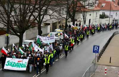 в Польше фермеры протестуют