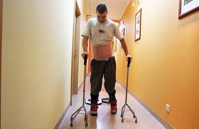 польский парализованный пожарник