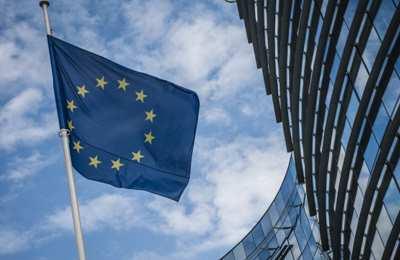 Еврокомиссия разрешила ввозить ГМО сою