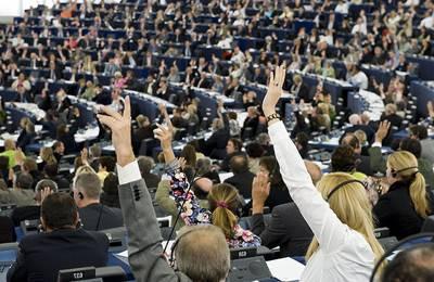 ЕС разрешил 11 ГМО культур