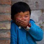 смешной китайский мальчишка