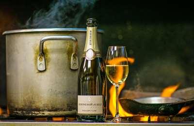 шампанское и огонь