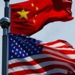 американский и китайский флаг